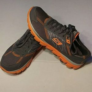 SKECHERS GO RUN 2 SIZE 11.5 RUNNING SHOES